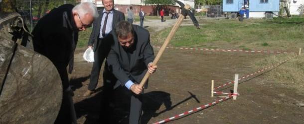 """В Шумен стартира проект """"Нов дом за нашите деца"""" за деца и младежи с физически увреждания"""