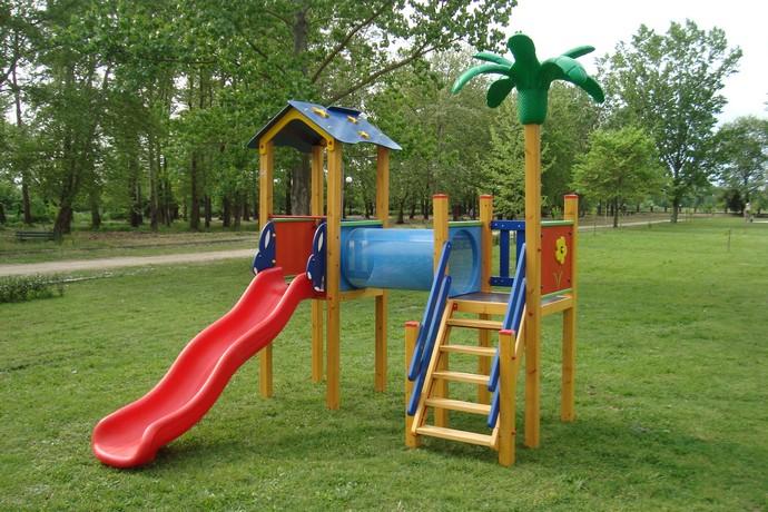 С над десет нови детски площадки се сдобиха децата в община Сливен
