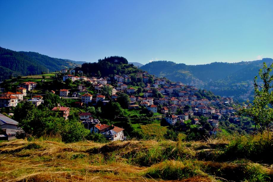 Семейство от Холандия влюбени в Родопите, стават почетни жители на Момчиловци