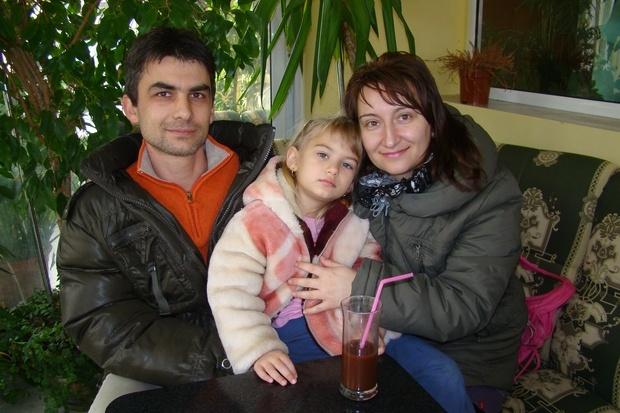 Българско семейство в село до Димитровград очаква с радост петото си дете