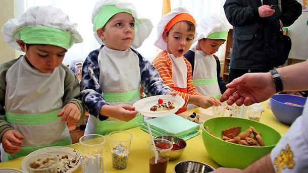 Малчуганите от дома за деца в село Кошарица бяха настанени в новия им дом