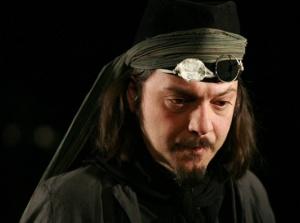 """Чочо Попйорданов в постановката на Александър Морфов """"Хъшове"""""""