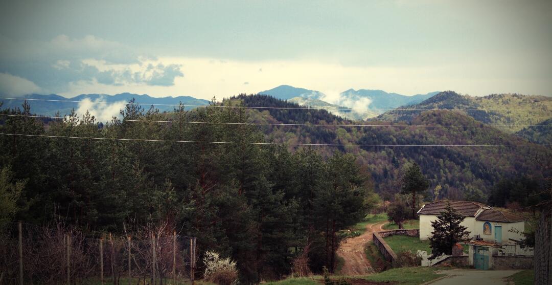 Един доброволец разказва за изграждането на Арт център в Родопите