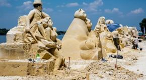 Кино, пясък и скулптури в Русе