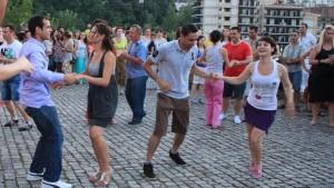 Салса танци в центъра на Русе