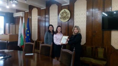 ученици издадоха книга с рецепти от Русенския край